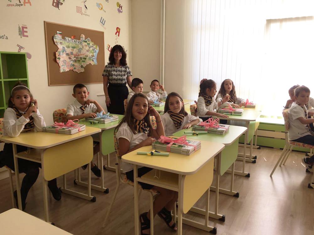 Срещата с учениците и вълненията от първия учебен ден - Интервю с Румяна Божинова - 2